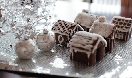 not-martha-mini-gingerbread-houses-thumb-1